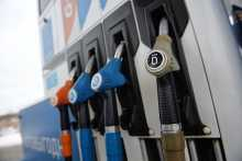 Новак аннонсировал рассмотрение проекта об ограничении экспорта бензина
