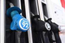 Цена межсезонного дизельного топлива четвертую сессию подряд бьет рекорд на бирже в России