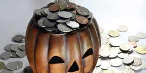 Костюм коронавируса стал популярным у россиян на Хеллоуин