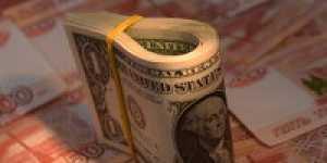 Финансист дал совет, когда вложения в евро выгоднее доллара