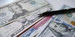 Курс доллара растет на американской статистике