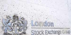 Бумаги компаний России, кроме НЛМК, закрыли торги в Лондоне в минусе