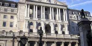 Банк Англии обеспокоен растущим уровнем безработицы в Британии из-за COVID-19