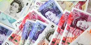 Фунт стерлингов дорожает к доллару после заседания Банка Англии
