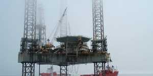 Россия в марте увеличила экспорт нефти и нефтепродуктов в США, сохранив третье место