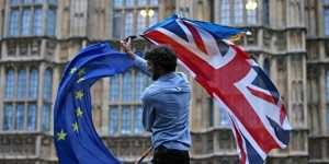 Эксперт рассказал, как возможный в конце года жесткий Brexit отразится на ЕС