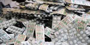 Объем выпуска лекарств от COVID в России в ноябре резко вырос