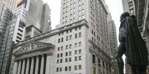 Американские индексы усилили снижение после заседания ФРС