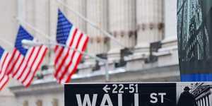Биржи США в основном снижаются на неопределенности вокруг состояния экономики страны
