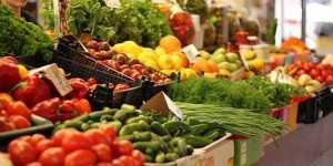 Росстат: рост цен на огурцы в России резко ускорился, на картофель - замедлился