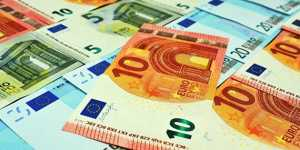 Курс евро слабо растет перед заседанием ЕЦБ