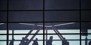 Пассажиропоток аэропортов Москвы в апреле упал на 95%