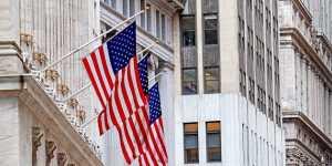 Биржи США закрылись серьезным падением