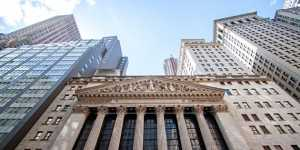 Фондовые индексы США резко выросли после трех дней снижения пунктов
