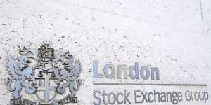 Бумаги российских компаний дорожают на 2-4% на торгах в Лондоне