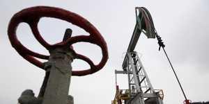 Нефть дешевеет на данных API о неожиданном росте запасов в США