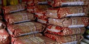 Россияне в январе стали больше тратить на хлеб и гречку