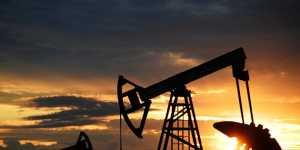 Нефть дорожает на признаках замедления пандемии COVID-19 в США