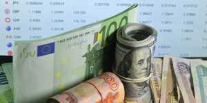 Евро слабо колеблется к доллару после статистики из Германии