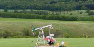 Декабрьский фьючерс нефти Brent опустился ниже $37
