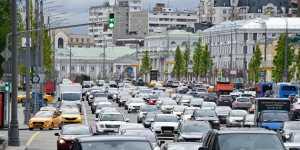 Сегмент люксовых машин в России просел за полгода на 20%