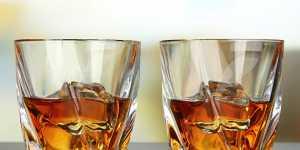 Виски Johnnie Walker с 2021 года можно будет купить в бумажных бутылках без пластика