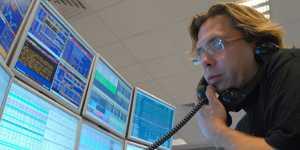 Европейские биржи в основном снижаются на опасениях второй волны коронавируса