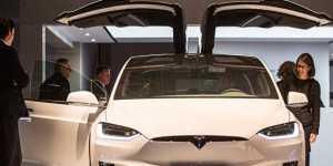 Tesla отзывает в США свыше девяти тысяч автомобилей