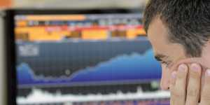 Российский рынок акций повысился по индексам