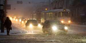 Автоэксперт Канаев советует водителям помнить о падении сцепления с дорогой с наступлением холодов