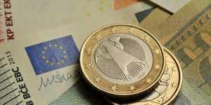 Финансист Зайцева рассказала об ослаблении евро из-за мягкой денежно-кредитной политики ЕЦБ