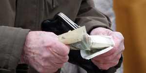 В Кремле назвали бедность главным приоритетом властей