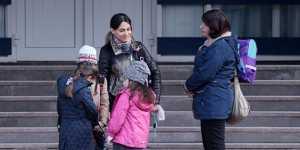 Минтруд планирует ежегодно увеличивать пособие одиноким родителям