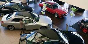 Автоэксперты назвали плюсы и минусы покупки автомобиля, подписки на него, а также каршеринга