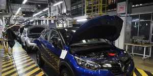 В августе 2021 года темпы роста промышленного производства в РФ снижались третий месяц  подряд