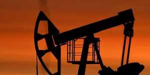 Данные торгов: нефть дешевеет после дневного роста