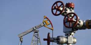 Мировые цены на нефть коррекционно снижаются после роста в течение двух торговых дней