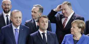 Франция отозвала посла вТурции после нападок Эрдогана наМакрона