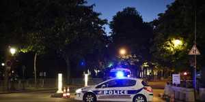 Во французском Лионе неизвестный открыл стрельбу рядом сцерковью